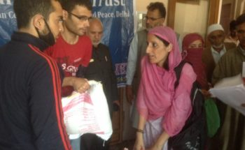 Swarajpeeth contribution in Kashmir Relief